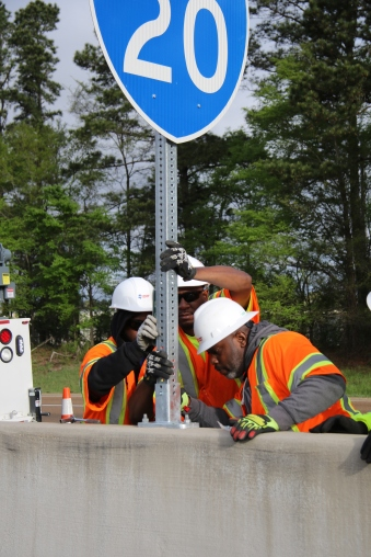 I-20-MDOT-Sign-Crew-Installers-0001