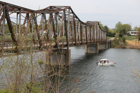 The Hampton Roads Side Scan Sonar Crew scans Holston Lake at the Aven's Bridge (State Route 670) before bridge replacement.